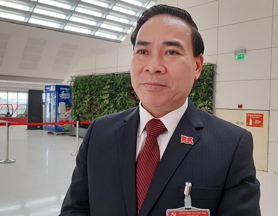 Đại biểu Bùi Tiến Lực, Trưởng ban Dân vận Tỉnh ủy, Chủ tịch Mặt trận Tổ quốc Việt Nam tỉnh Hòa Bình