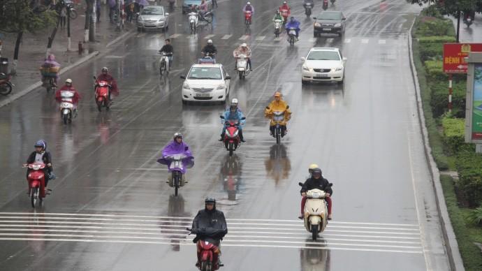Dự báo thời tiết Hà Nội nhiều mây, có mưa, mưa nhỏ, gió đông nam cấp 2-3, trời rét.