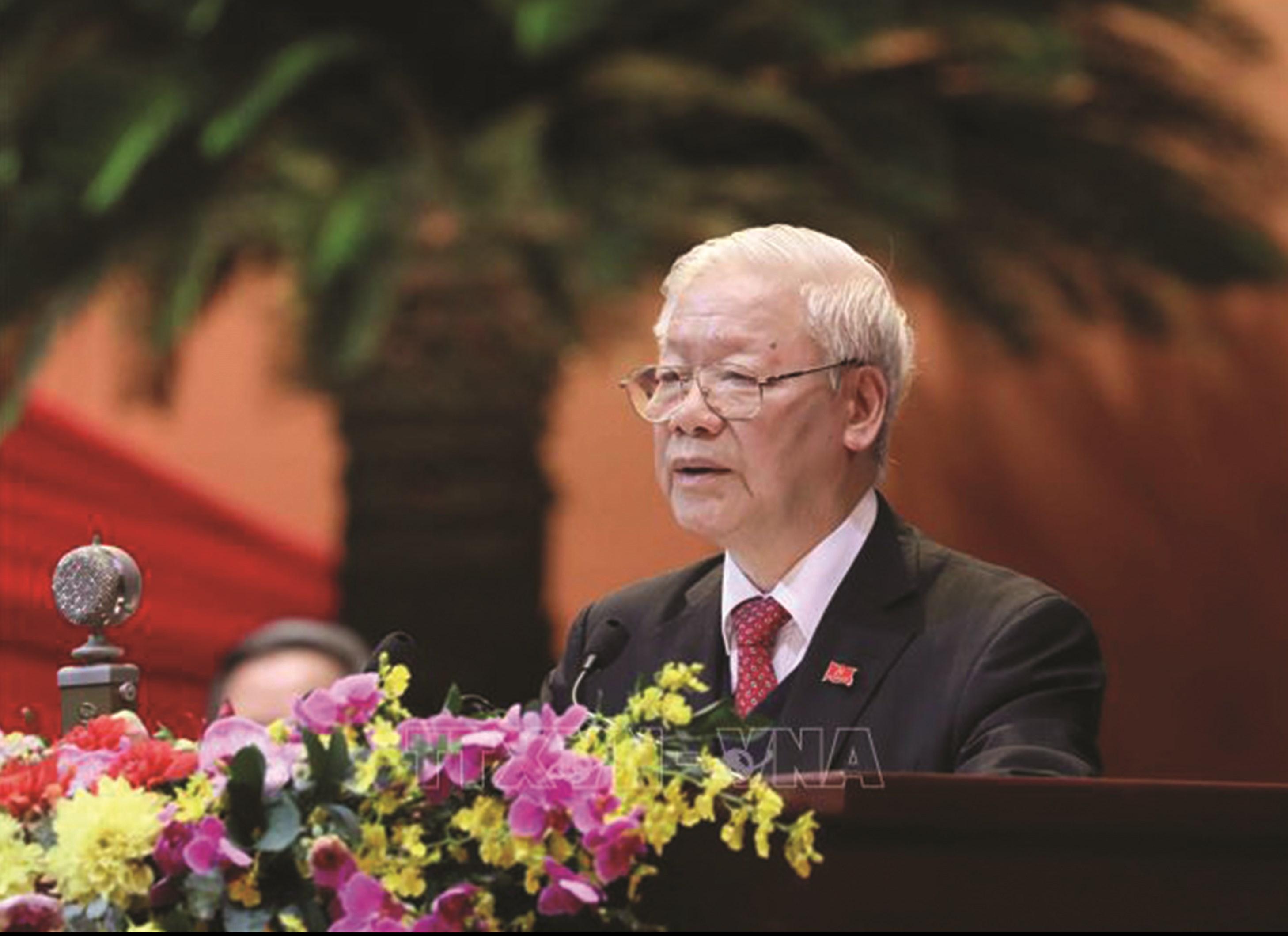Đồng chí Nguyễn Phú Trọng, Tổng Bí thư BCHTW khóa XIII, Chủ tịch nước CHXHCN Việt Nam đọc Diễn văn bế mạc Đại hội. Ảnh: TTXVN