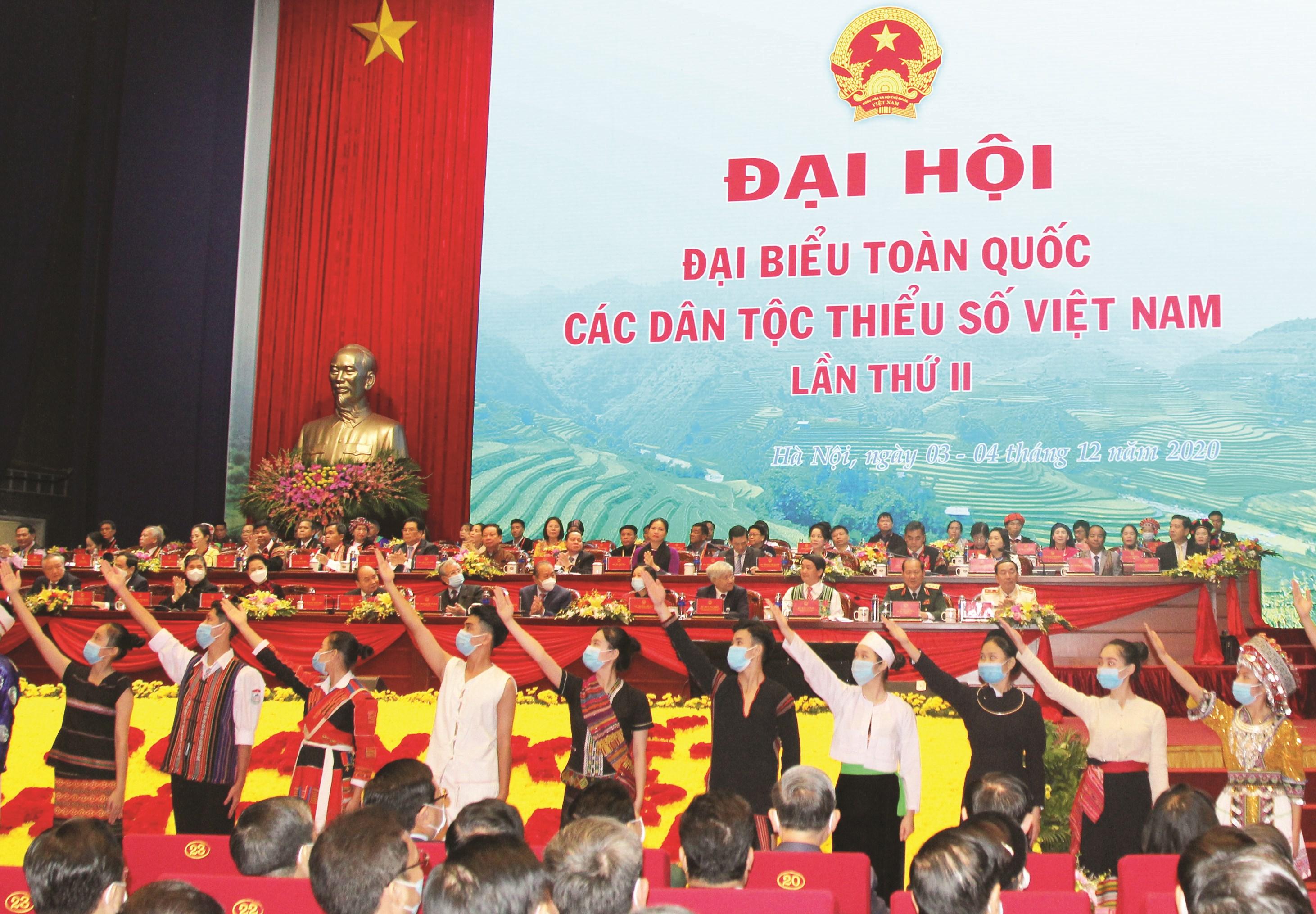 Các Đoàn viên Thanh niên là người DTTS thể hiện niềm tin son sắt với Đảng, với sự phát triển của dân tộc tại Đại hội.