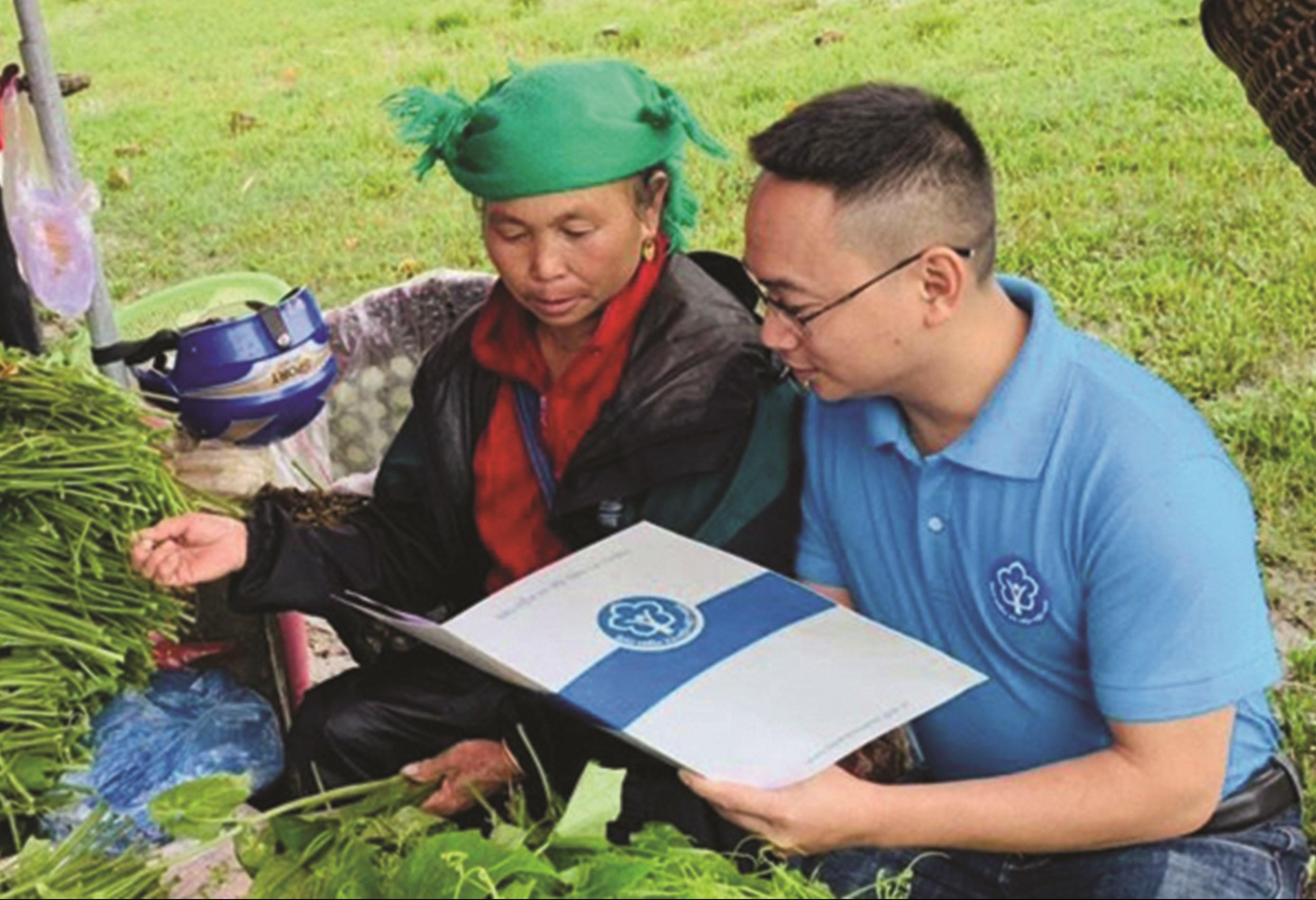 Ngành BHXH Việt Nam bảo đảm 100% người nghèo, người DTTS… được cấp thẻ BHYT
