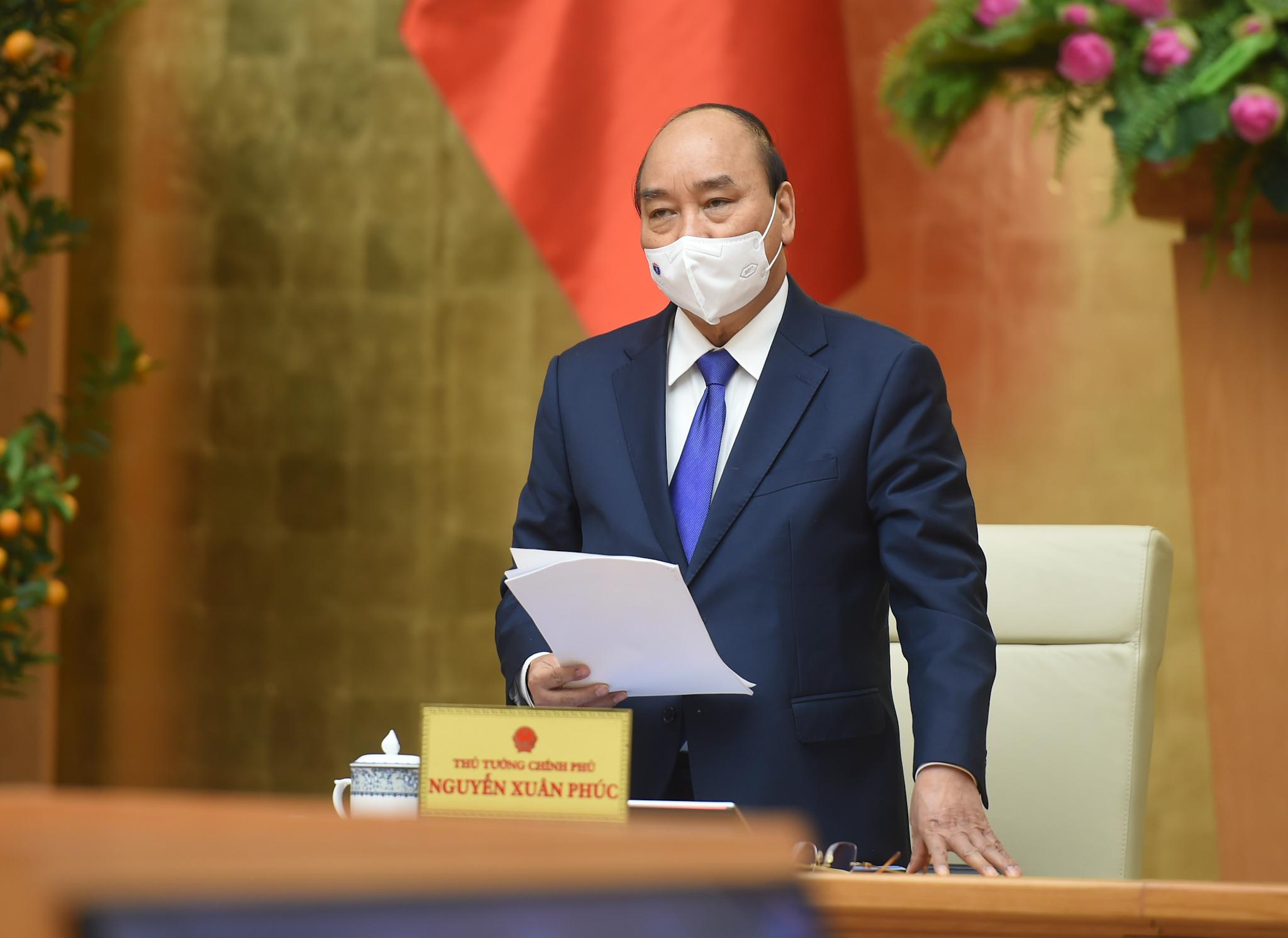 Thủ tướng Nguyễn Xuân Phúc phát biểu mở đầu cuộc họp. - Ảnh: VGP/Quang Hiếu