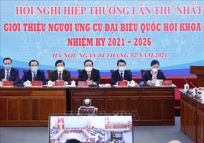Chủ tịch Ủy ban Trung ương MTTQ Việt Nam Trần Thanh Mẫn và các Phó Chủ tịch chủ trì hội nghị. Ảnh: Dương Giang/TTXVN