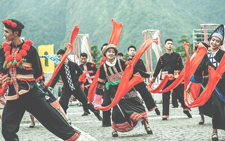 Lễ hội truyền thống Tết nhảy Sapa