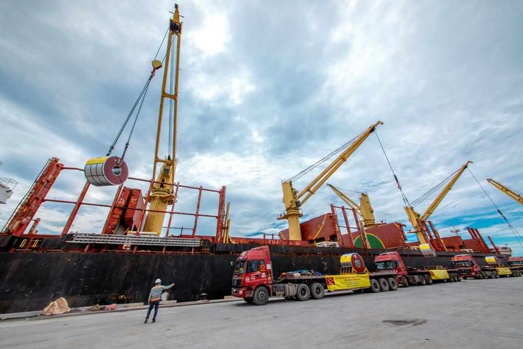 Hình ảnh xuất khẩu của Tập đoàn Hoa Sen tại cảng Nghi Sơn. (Ảnh: minh họa)