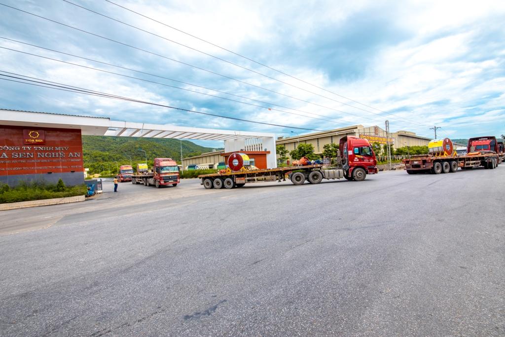Mùng 2 Tết Tân Sửu 2021, nhà máy Hoa Sen Nghệ An xuất khẩu lô hàng 2.300 tấn đi Mexico. (Ảnh: minh họa)