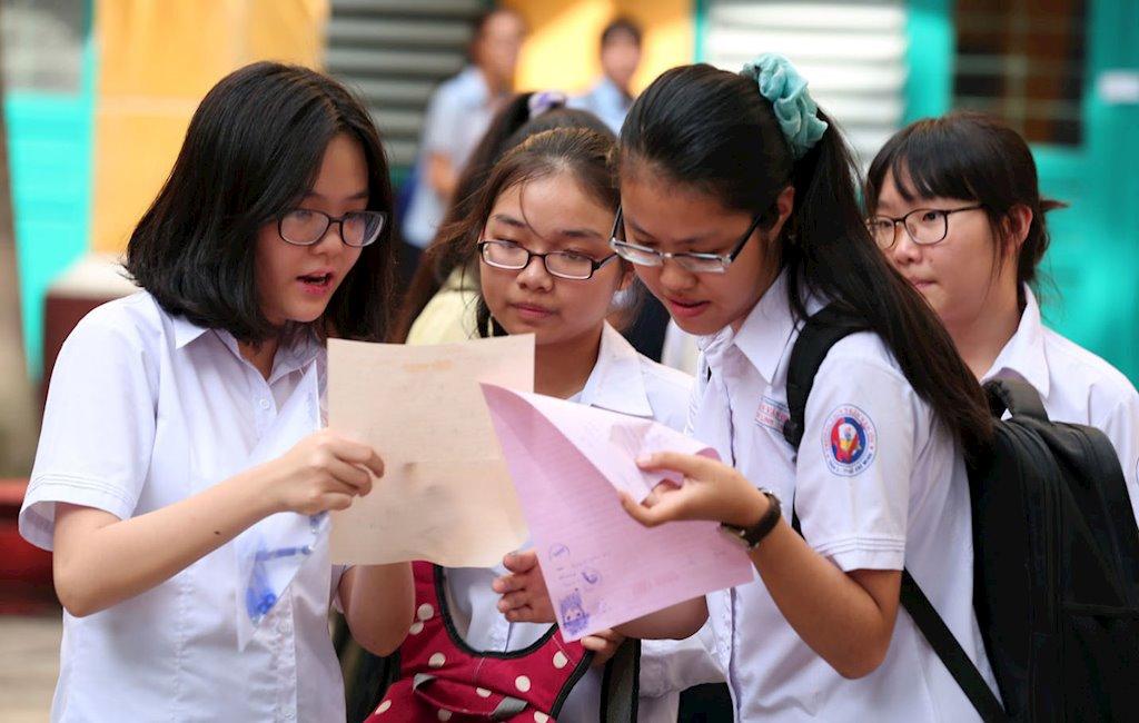 Thí sinh dự thi vào lớp 10 ở Hà Nội phải làm 4 bài thi. Ảnh minh họa