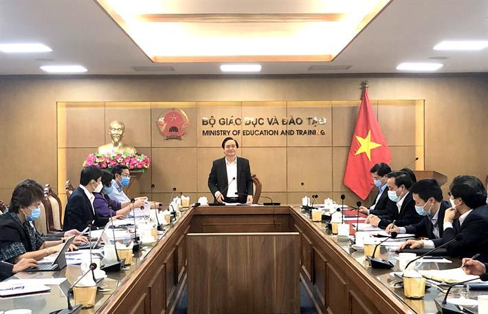 Bộ trưởng Phùng Xuân Nhạ chủ trì cuộc họp Ban chỉ đạo phòng, chống dịch Covid-19 Bộ GD&ĐT.