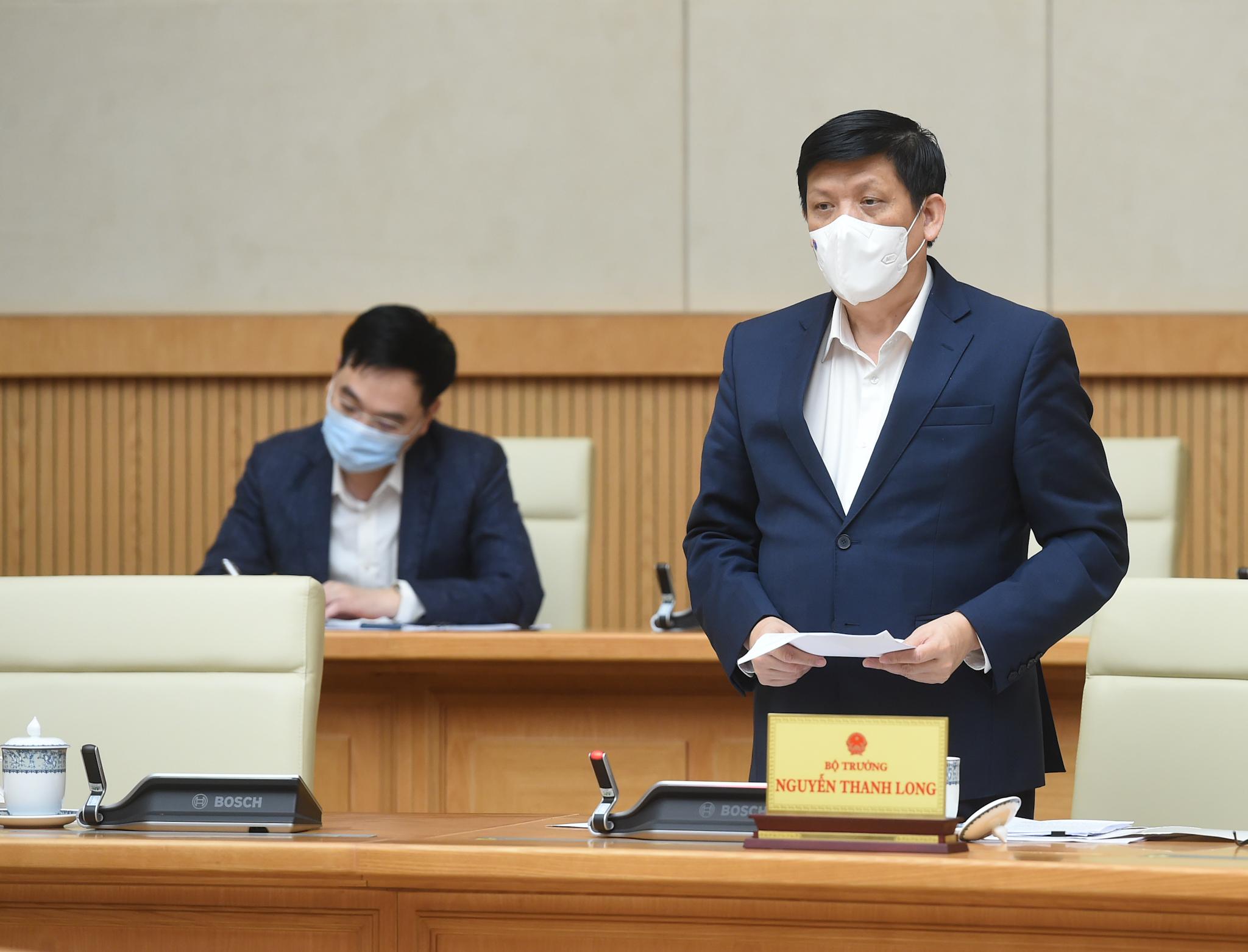 Bộ trưởng Bộ Y tế Nguyễn Thanh Long báo cáo tại Phiên họp - Ảnh: VGP/Quang Hiếu