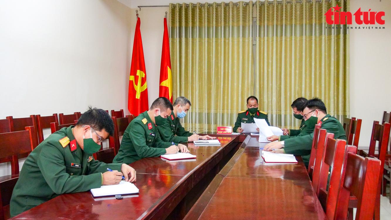 Ban Chỉ huy quân sự quận Long Biên đã phát lệnh nhập ngũ đến 100% thanh niên trúng tuyển nghĩa vụ. Ảnh: Trung Nguyên/ báo Tin tức.