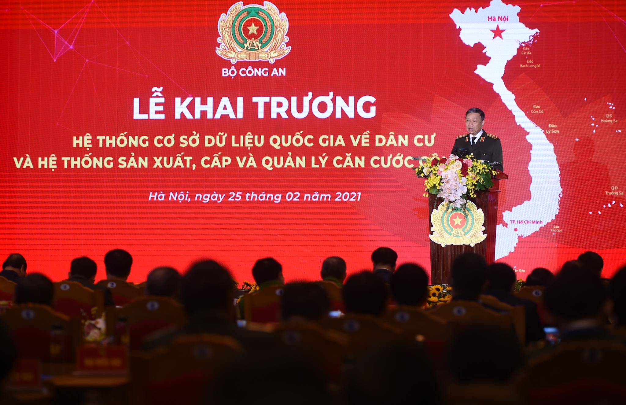 Đại tướng Tô Lâm, Bộ trưởng Bộ Công an phát biểu tại buổi lễ. Ảnh VGP/Quang Hiếu