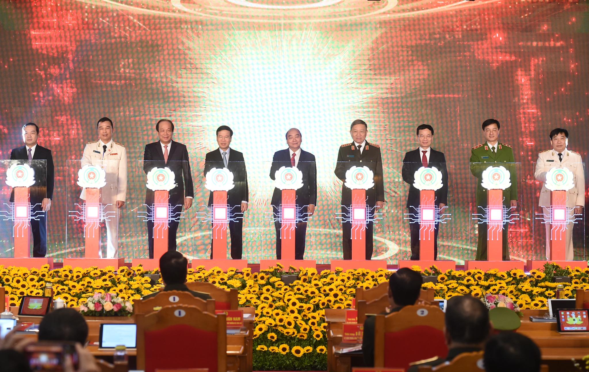 Thủ tướng dự khai trương 2 hệ thống CSDL phục vụ lợi ích cho mọi người dân 6