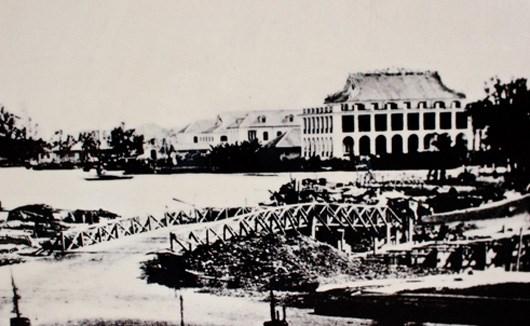 Bến cảng Nhà rồng - nơi Bác Hồ rời Tổ quốc ra đi tìm đường cứu nước. Ảnh tư liệu
