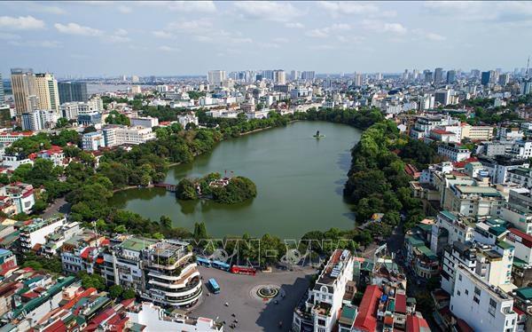 Hà Nội đã ra khỏi nhóm 10 thành phố trong danh sách 92 thành phố của nhiều quốc gia trên thế giới được quan trắc có chất lượng không khí không tốt cho sức khỏe. Ảnh: Thành Đạt/TTXVN