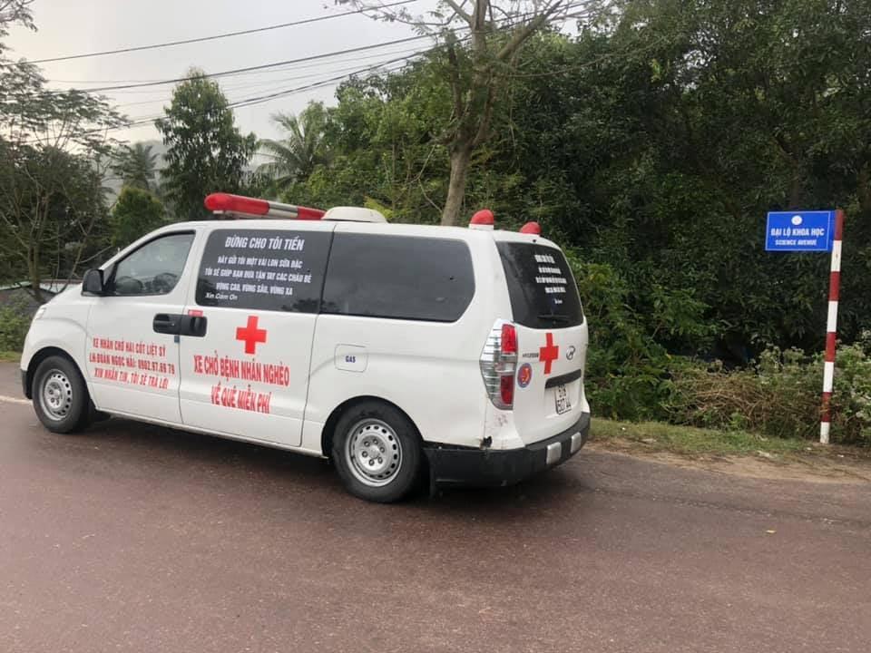Hơn 1 năm qua, ông Hải đã lái chiếc xe này rong ruổi khắp mọi miền của Tổ quốc để làm những công việc thiện nguyện
