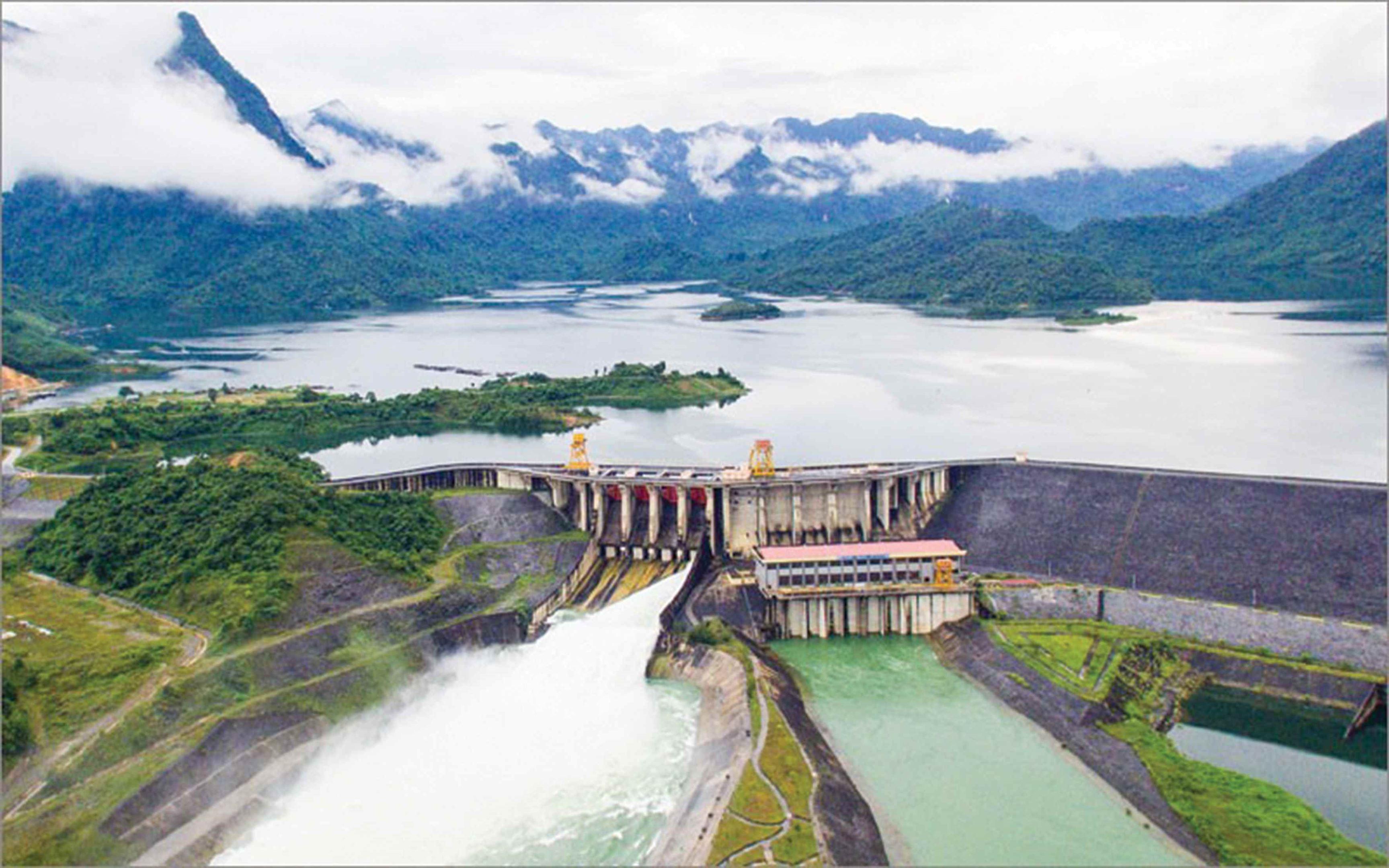 Toàn cảnh Nhà máy Thủy điện Tuyên Quang. Ảnh internet