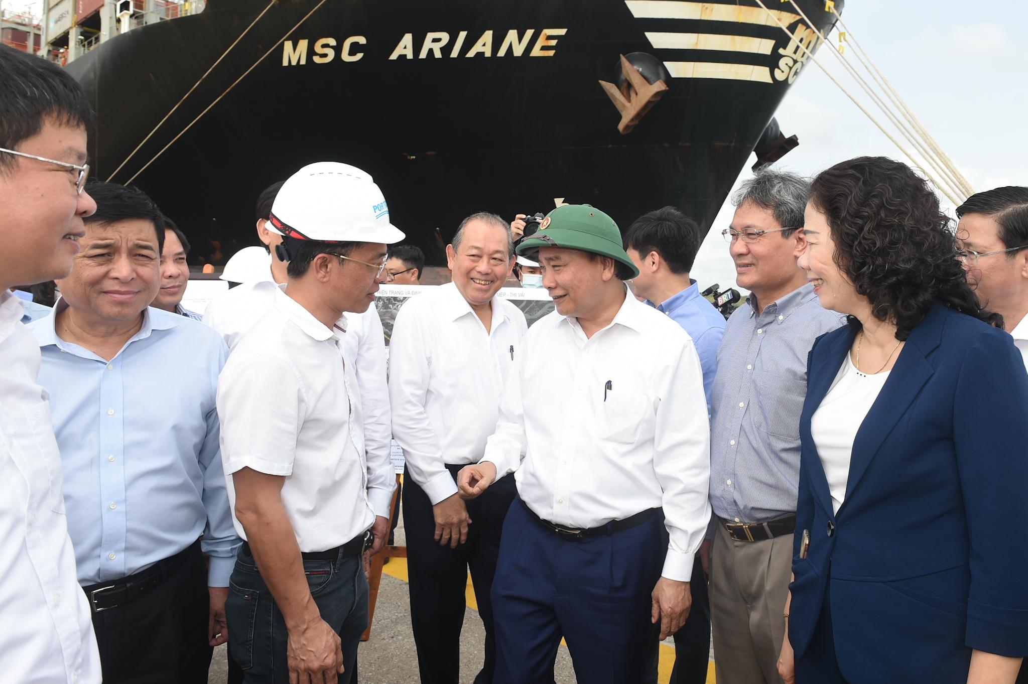 Tổng công suất cụm cảng quốc tế Cái Mép-Thị Vải hiện 8,3 triệu Teus/năm, trong đó năm 2020 đạt mức thông quan 7,55 triêu Teu, tương đương 91%. Ảnh: VGP/Quang Hiếu