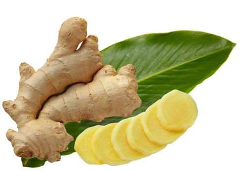 Gừng có tính kháng viêm, tiêu đờm, chữa cảm lạnh, tốt cho tiêu hóa, trị chướng bụng, đau bụng, có thể uống kèm mật ong tăng hương vị.