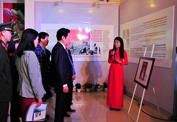 """Năm 2019, Bộ Thông tin và Truyền thông từng tổ chức Triển lãm ảnh, tư liệu Thành tựu bảo đảm và thúc đẩy quyền con người ở Việt Nam với tên gọi """"Vì Hạnh phúc của mỗi người"""""""