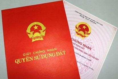 Có sổ đỏ trong tay, người dân được hưởng rất nhiều lợi thế. Ảnh: Nguyễn Hà