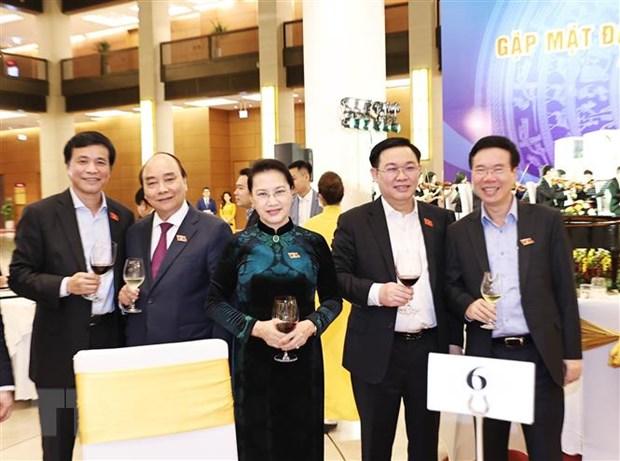 Thủ tướng Nguyễn Xuân Phúc, Chủ tịch Quốc hội Nguyễn Thị Kim Ngân với các đại biểu. Ảnh: Trọng Đức/TTXVN