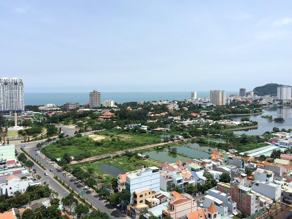 Hiện trên địa bàn thành phố Vũng Tàu đang rộ lên hiện tượng các môi giới chào bán đất đồng sở hữu, tình hình đó tạo rủi ro khá lớn cho người mua.
