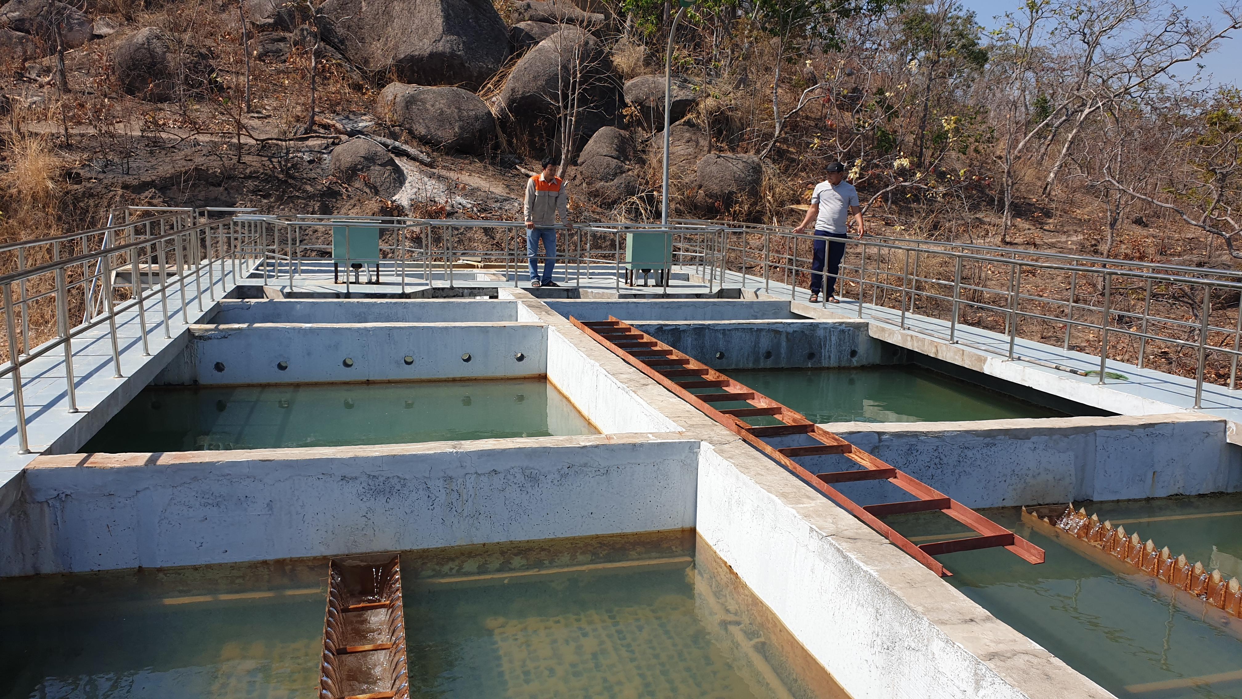 Hiện nay, hệ thống cấp nước sinh hoạt Phú Thiện- Ia Pa mới chỉ cấp nước được cho khoảng 1 nghìn hộ dân, vì vậy tỷ lệ người dân được sử dụng nước sạch trên địa bàn huyện Phú Thiện còn thấp.