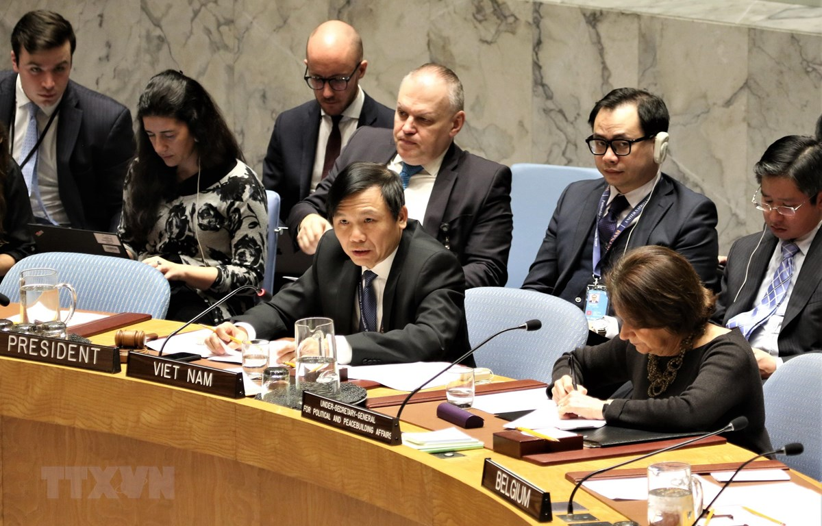 Đại sứ Đặng Đình Quý chủ trì phiên thảo luận mở của HĐBA về tình hình Palestine-Israel. Ảnh: Khắc Hiếu/TTXVN