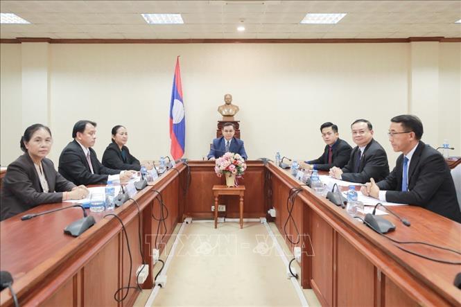 Chủ tịch Quốc hội Cộng hòa Dân chủ Nhân dân Lào Saysomphone Phomvihane điện đàm từ Viêng Chăn. Ảnh: TTXVN phát
