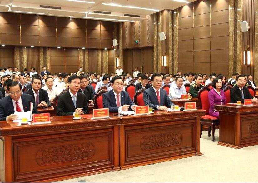 Chủ tịch Quốc hội Vương Đình Huệ, Thường trực Ban Bí thư Võ Văn Thưởng và các đại biểu dự hội nghị
