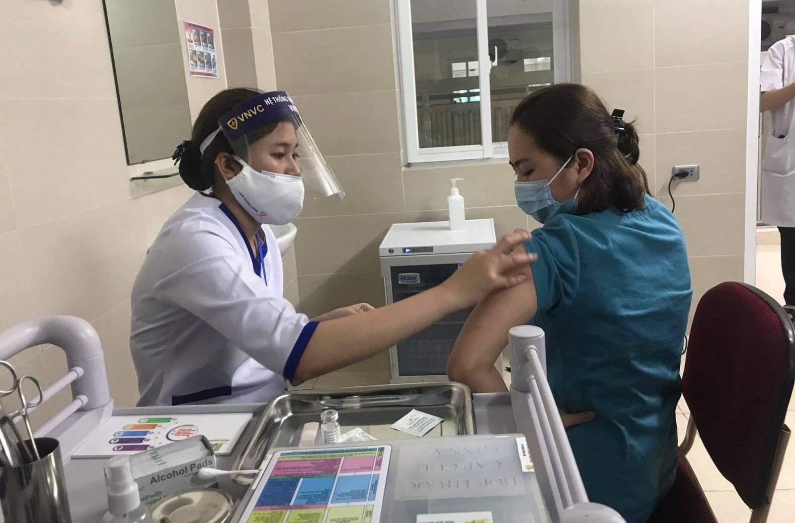 Hà Nội sẽ mở rộng đối tượng tiêm chủng với 50.000 liều vaccine COVID-19 trong đợt 2