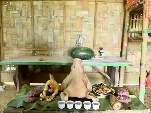 Mâm lễ cúng tổ tiên của đồng bào dân tộc Dao trong Tết Thanh minh. Ảnh: Diễm Quỳnh