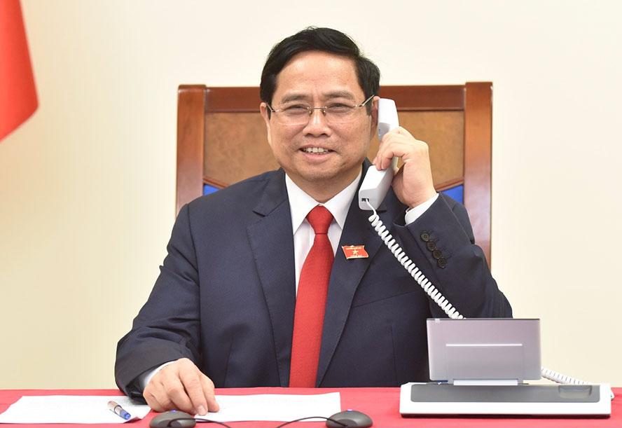 Thủ tướng Phạm Minh Chính điện đàm với Thủ tướng Campuchia Samdech Techo Hun Sen. Ảnh: VGP/Quang Hiếu