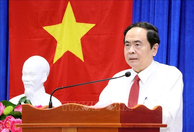 Đồng chí Trần Thanh Mẫn chúc Tết các vị hòa thượng, thượng tọa trong Hội Đoàn kết sư sãi yêu nước tỉnh Sóc Trăng.