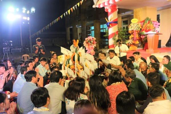 Các nghi thức của Tết cổ truyền Bunpimay được tổ chức trang trọng, ấm áp.