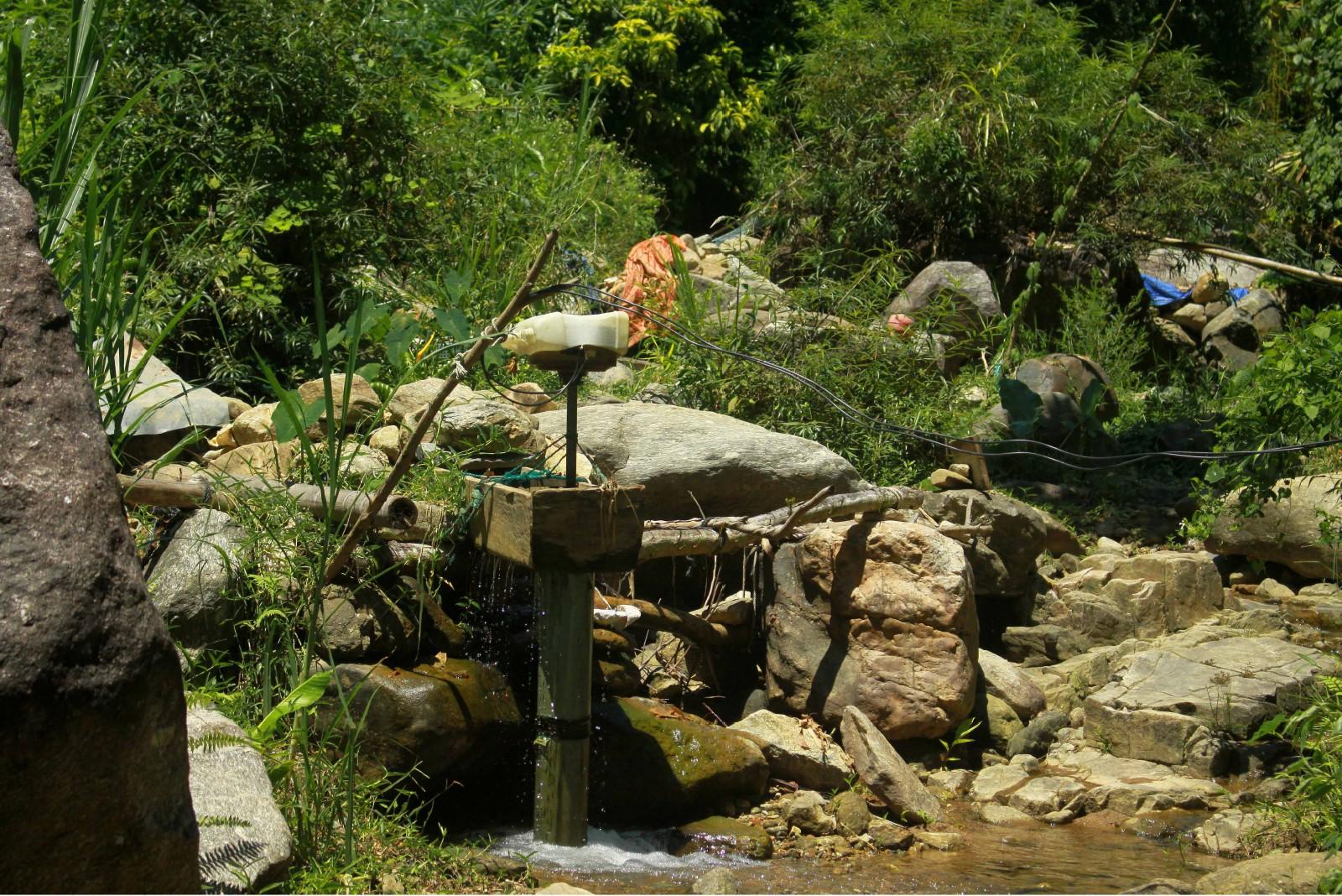 Công trình thủy điện của người dân làng Tranh