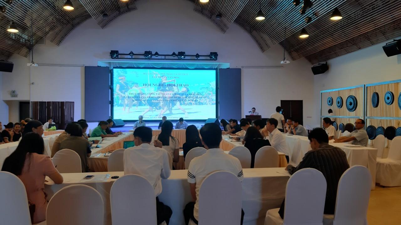 Quang cảnh hội thảo. Ảnh: Nguyễn Quang Tuệ