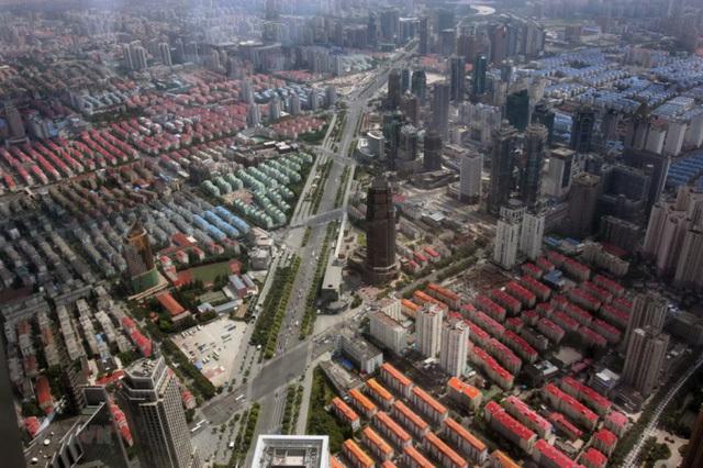 Sự bùng nổ cho vay đầu năm 2021 kéo theo sự phục hồi của giao dịch bất động sản (Ảnh: Quần thể các căn hộ tại Pudong, Thượng Hải / Nguồn: THX)