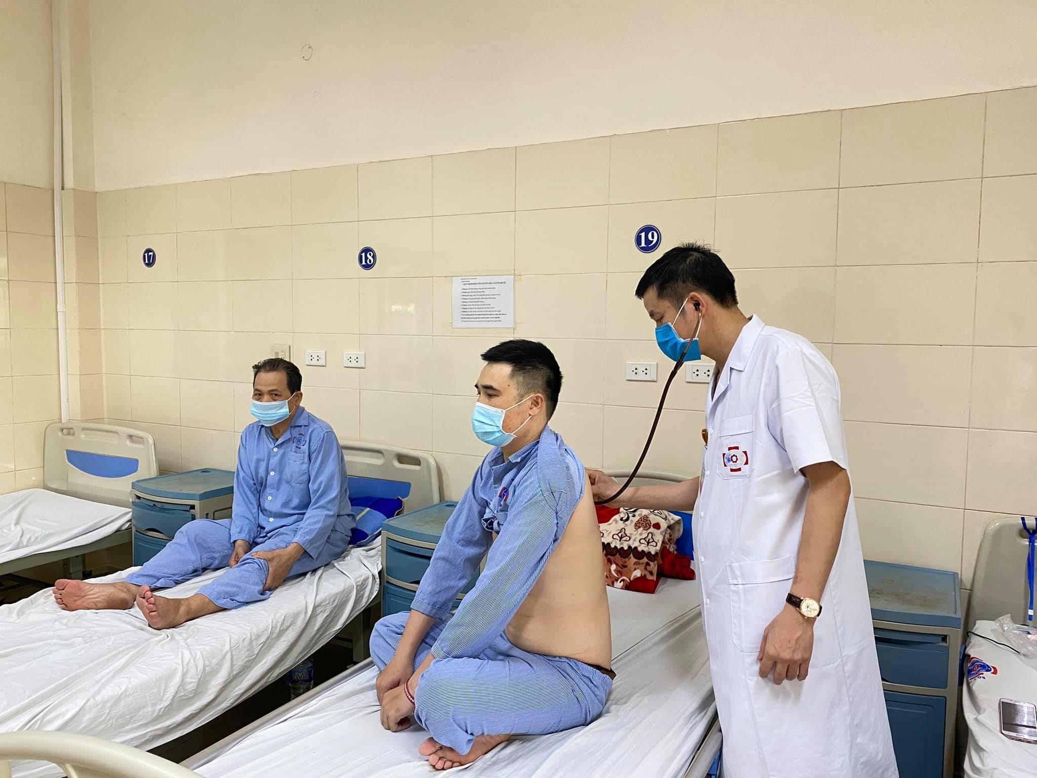 Thăm khám cho người bệnh tại Bệnh viện K