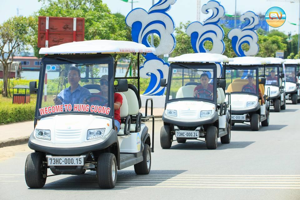 Xe điện phục vụ đưa đón khách du lịch tại Đồng Hới