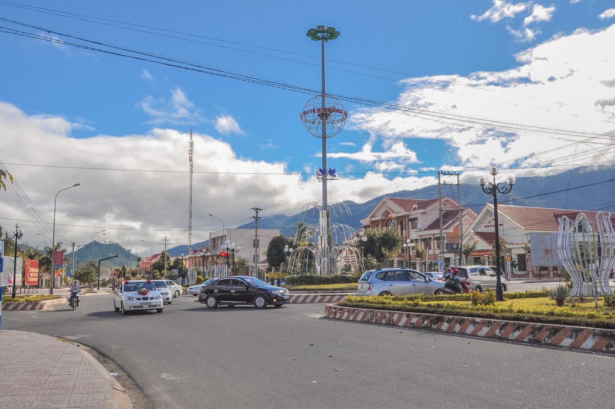Trung tâm huyện Krông Bông ngày càng văn minh, hiện đại