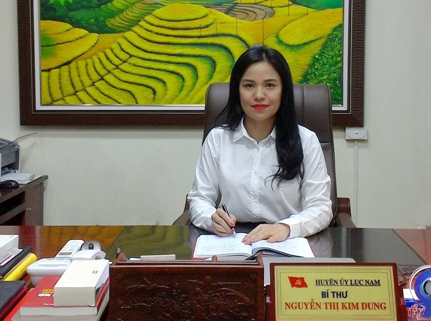 Bí thư Huyện ủy - Trưởng Ban Chỉ đạo công tác bầu cử đại biểu Quốc hội khóa XV và đại biểu HĐND các cấp nhiệm kỳ 2021 - 2026 huyện Lục Nam Nguyễn Thị Kim Dung