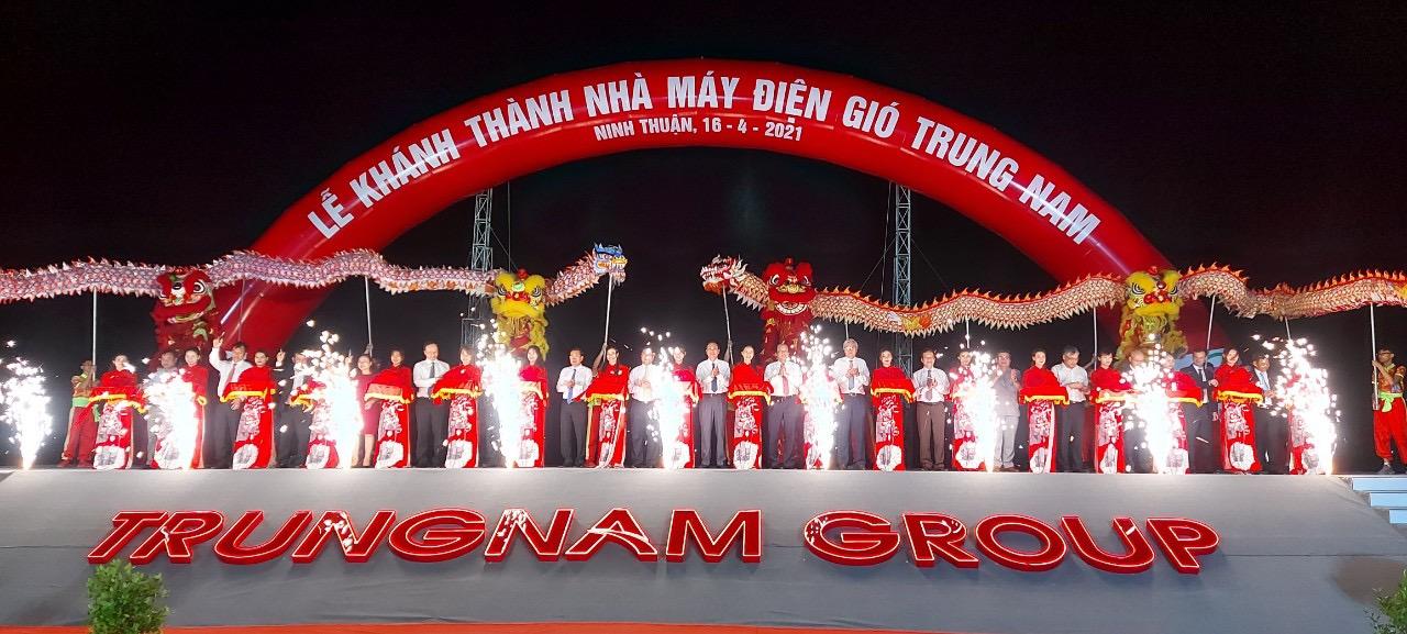 Lễ cắt băng khánh thành Nhà máy điện gió Trung Nam