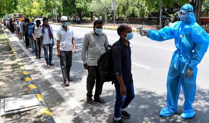 Số người nhiễm COVID-19 tại Ấn Độ liên tục tăng cao. (Ảnh: zeenews.india.com)