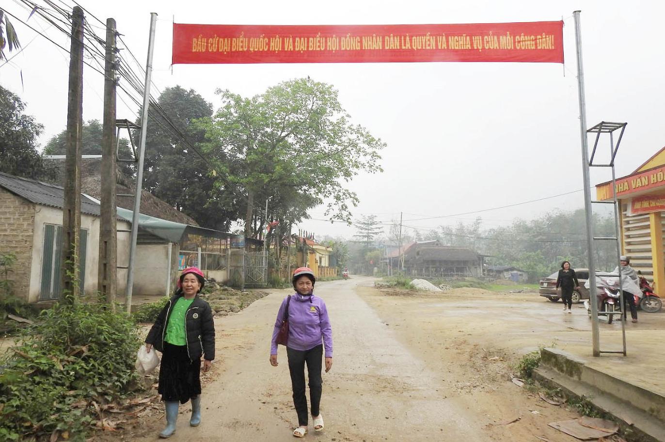 Không khí bầu cử trên từng bản làng ở Yên Bái