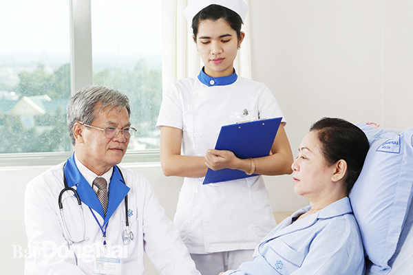 Người dân khi bị chấn thương cần đến ngay các trung tâm y tế để được các bác sĩ tư vấn, điều trị