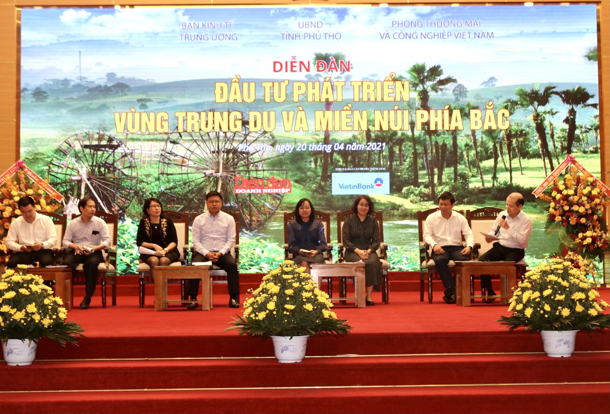 Đại diện các cơ quan Trung ương thảo luận, chia sẻ kinh nghiệm tại Diễn đàn.