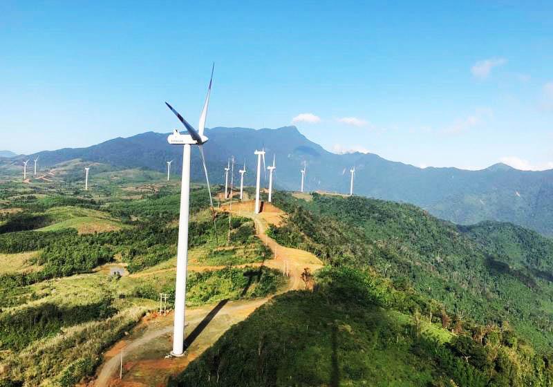 Những trụ điện gió ở Hướng Hóa ngày một nhiều lên
