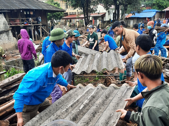 Khắc phục hậu quả do mưa lũ tại xã Minh Lương, huyện Văn Bàn, tỉnh Lào Cai. (Nguồn ảnh: baolaocai.vn)