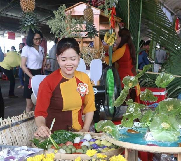 Hơn 100 gian hàng tham dự ngày hội với nét văn hóa ẩm thực phong phú, đa dạng đã để lại nhiều ấn tượng trong lòng thực khách. Ảnh: Huỳnh Anh - TTXVN